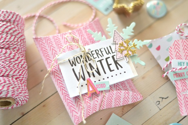 gift-wrapping-pillow-box